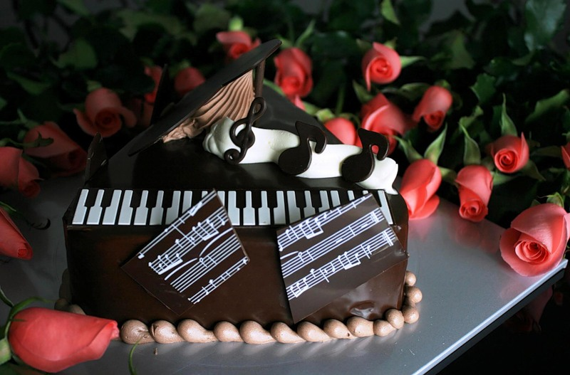 С днем рождения композитору